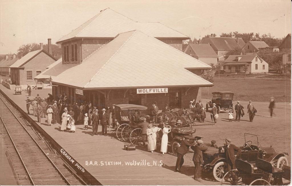 Wolfville Station, Dominion Atlantic Railway, c. 1920. WHS 01.12.14.14
